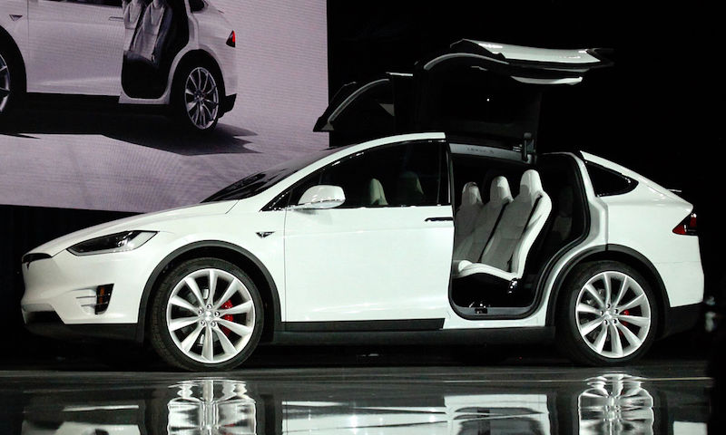 "Tesla Model X. By <a href=""//commons.wikimedia.org/wiki/File:Tesla_Model_X_vin0002.jpg"" title=""File:Tesla Model X vin0002.jpg"">Tesla Model X vin0002.jpg</a>: Steve Jurvetsonderivative work: <a href=""//commons.wikimedia.org/wiki/User:Mariordo"" title=""User:Mariordo"">Mariordo</a> - This file was derived from &nbsp;<a href=""//commons.wikimedia.org/wiki/File:Tesla_Model_X_vin0002.jpg"" title=""File:Tesla Model X vin0002.jpg"">Tesla Model X vin0002.jpg</a>:&nbsp;<a href=""//commons.wikimedia.org/wiki/File:Tesla_Model_X_vin0002.jpg"" class=""image""></a>, <a href=""http://creativecommons.org/licenses/by/2.0"" title=""Creative Commons Attribution 2.0"">CC BY 2.0</a>, https://commons.wikimedia.org/w/index.php?curid=44050985"